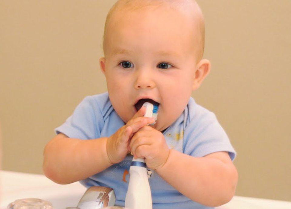 Чистку зубов с детства