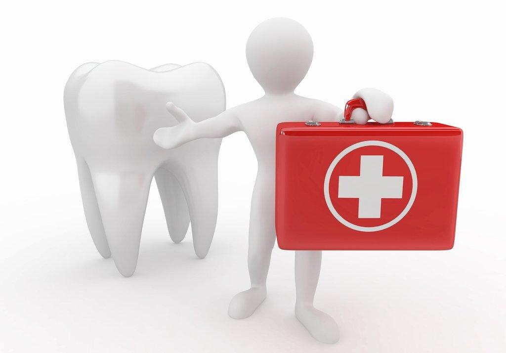 Помощь стоматолога при вывихе зуба